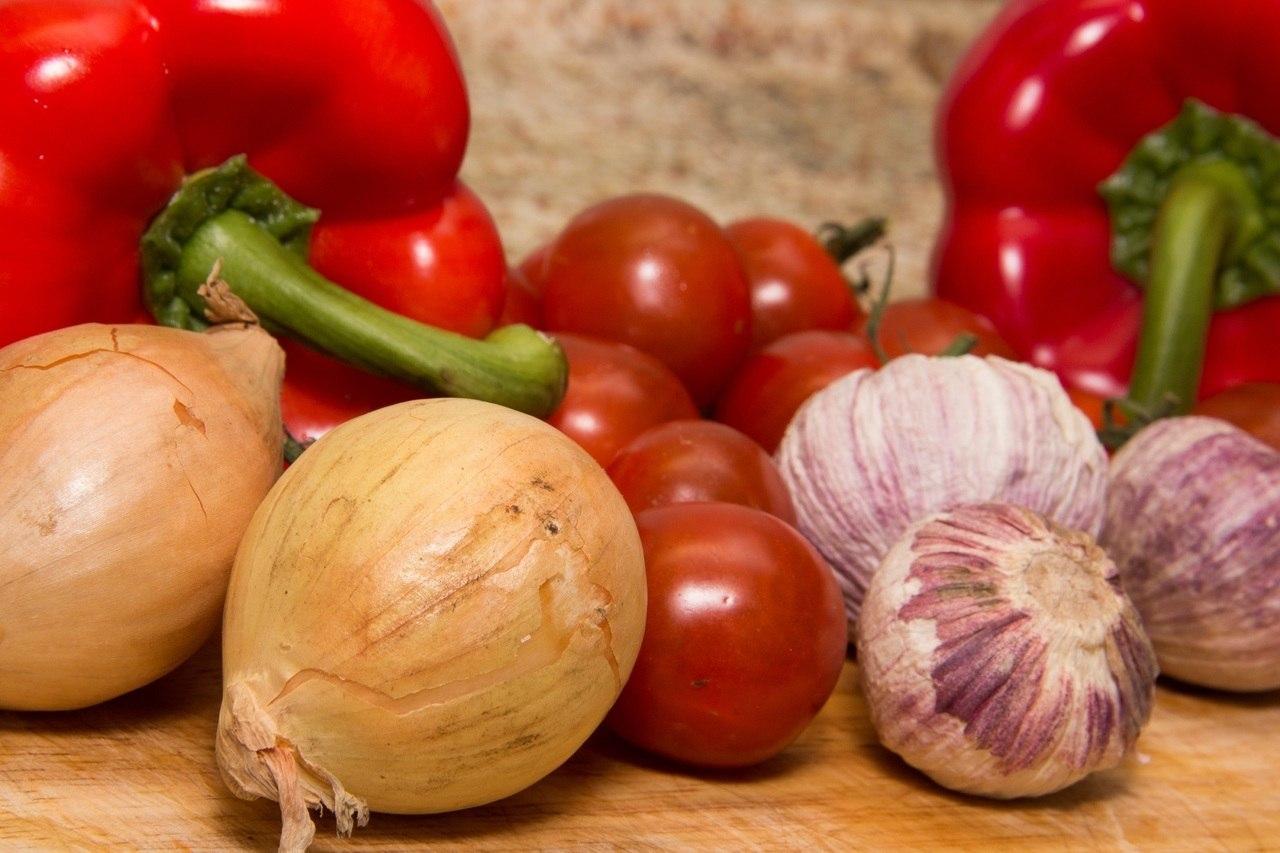 Ail, oignon et tomate